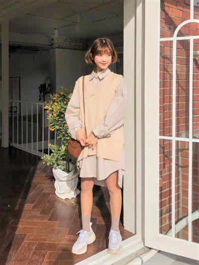 Rộng quá cỡ cho nàng nấm lùn mặc kèm áo len trông dễ thương hơn
