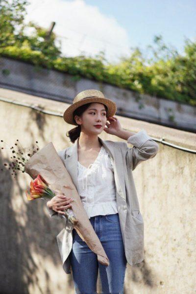 Áo blazer đem tới vẻ thanh lịch và trẻ trung cho phong cách các nàng.