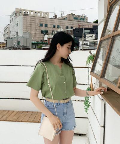 Ở những khu vực to như hông chẳng hạn, bạn nên mặc đồ một màu, đơn giản, đường nét tối giản để tránh nhấn mạnh khu vực đó