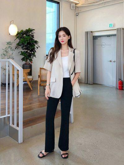 Thì những thiết kế jeans ống đứng lại cực kỳ thời thượng, cá tính để các nàng thử nghiệm phong cách mới lạ, thú vị cho mình