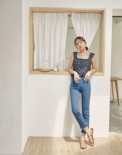 Diện áo dây kết hợp Jeans nhìn xinh chưa nà