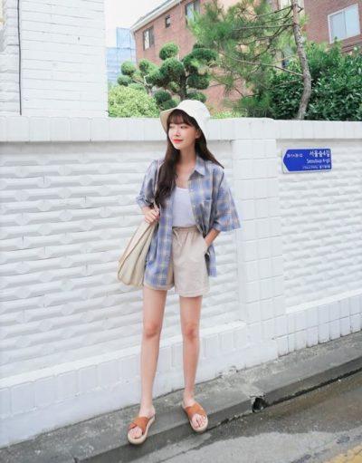 Cá tính cùng áo sơ mi oversize và quần short