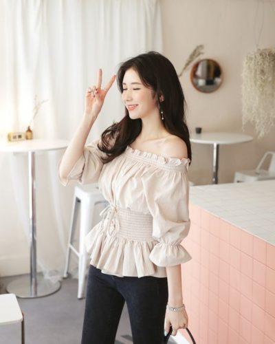 Áo blouse trễ vai