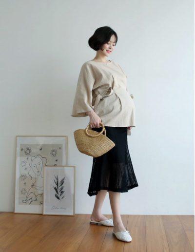 ...hoặc những mẫu chân váy dáng suông như thế này để có được set đồ hoàn chỉnh.