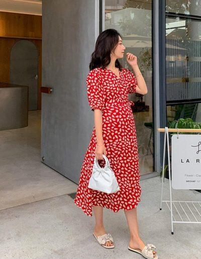 Những mẫu váy mang gam màu tươi sáng, rực rỡ đem tới vẻ tràn đầy sức sống cho phong cách các nàng.