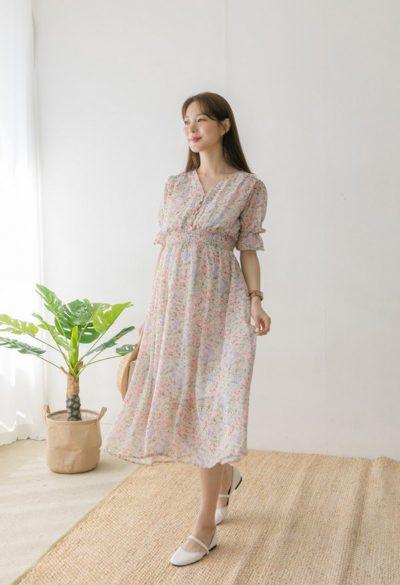 Váy liền chất voan tạo cảm giác mềm mại, dễ chịu khi diện.