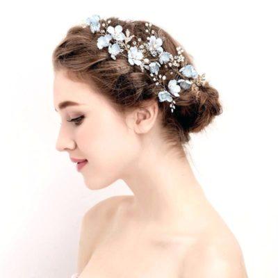 Búi tóc cao cực sang chảnh cho cô dâu tóc ngắn ngang vai
