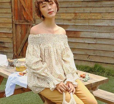 Phong cách Vintage: Áo trễ vai nhún thun