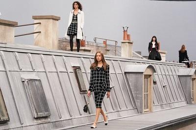 Chanel mang đến BST Xuân/Hè 2020 làm nức lòng giới mộ điệu - Ảnh 1
