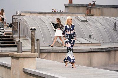Chanel mang đến BST Xuân/Hè 2020 làm nức lòng giới mộ điệu - Ảnh 2