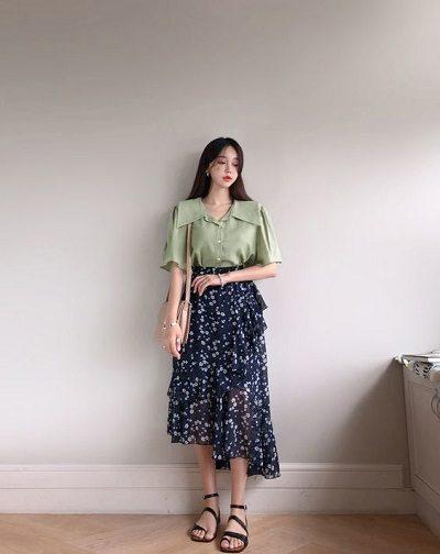Áo blouse + Váy voan hoa nhiều tầng
