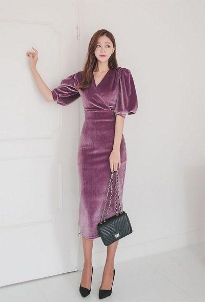 Đầm nhung dài tay ngắn - Những kiểu váy giúp nàng công sở toả sáng trong buổi tiệc tất niên công ty