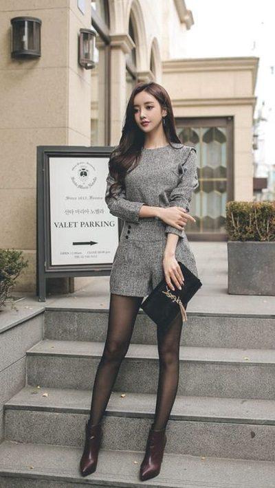 Jumpsuit phối quần tất - Những kiểu váy giúp nàng công sở toả sáng trong buổi tiệc tất niên công ty