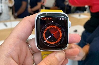 Apple watch series 5 được tích hợp la bàn