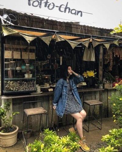 Váy hoa + áo khoác Denim xinh xắn cho nữ