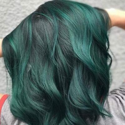 Màu tóc xanh rêu đẹp 2021 được các Idol Hàn tích cực lăng xê